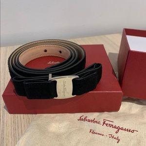 Salvatore Ferragamo Vara CI-23 A232 Belt Black